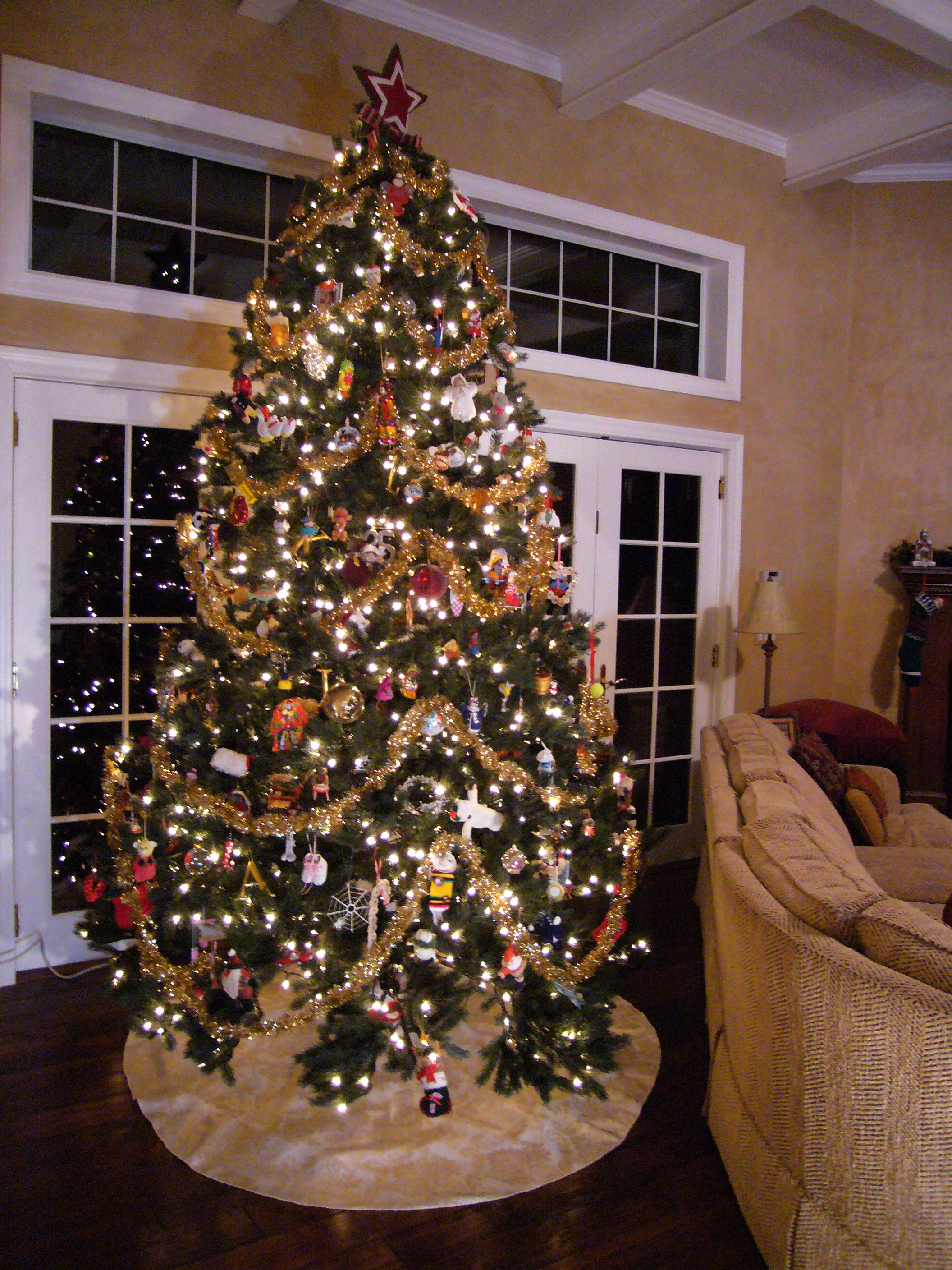 as - Large Christmas Tree