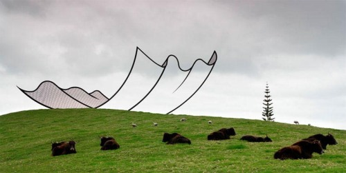 Neil Dawson Sculpture in Gibbs Farm