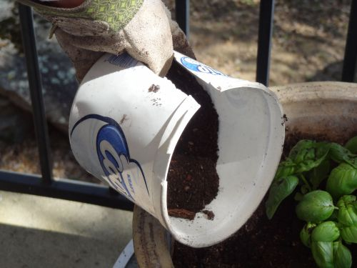 DIY garden scoop