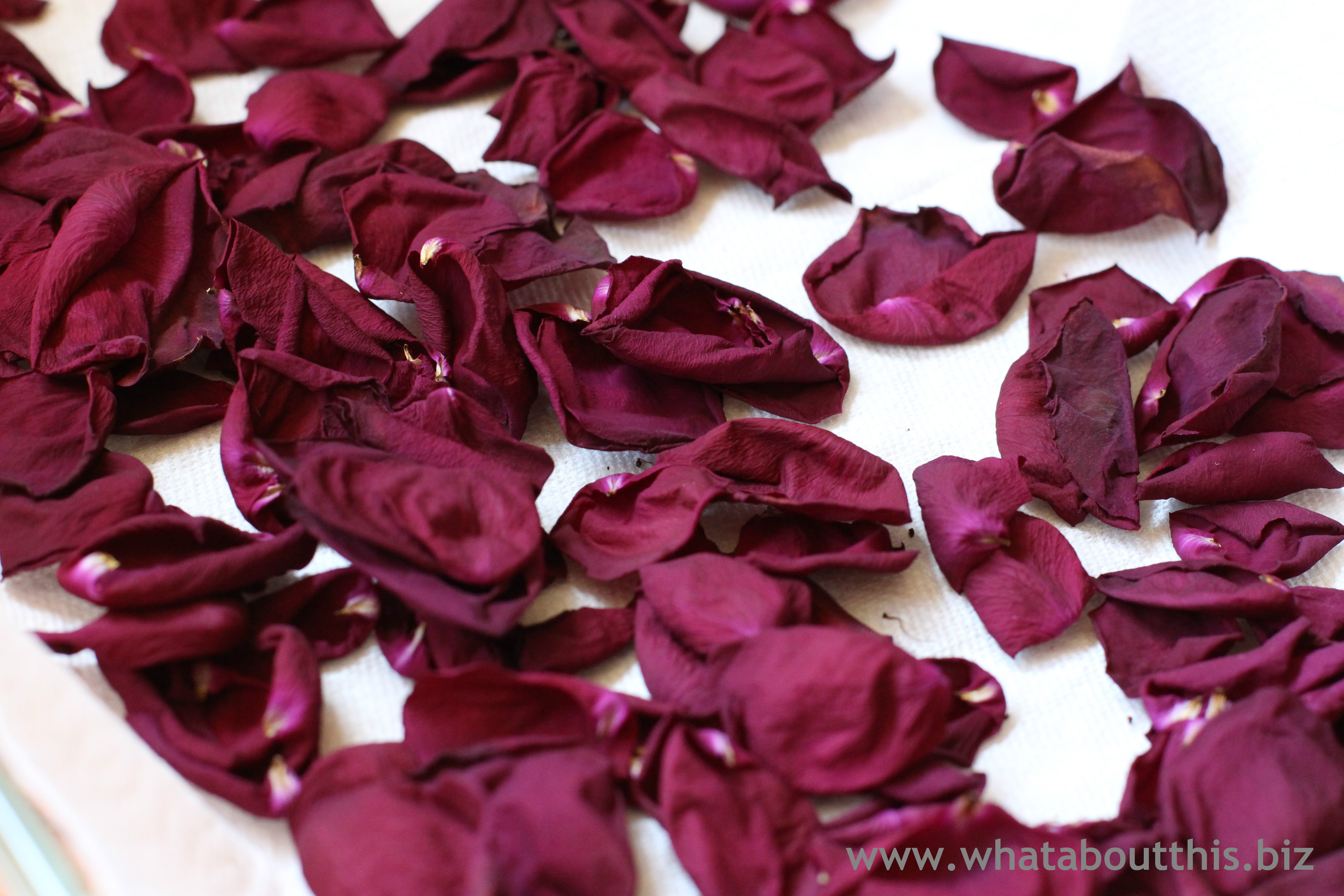 homemade potpourri with rose petals and lavender what about this