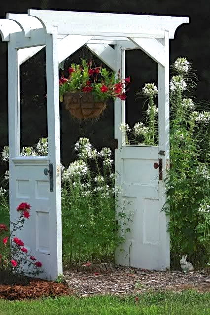 60 Ways to Upcycle Doors