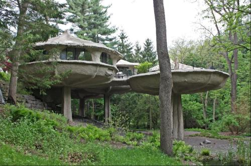 12 Strange and Unusual Homes for Sale